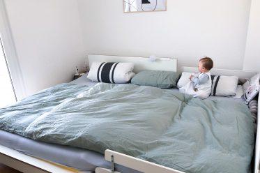 Familienbett - alles zu Größe, Matratze, Vorteile, Nachteile
