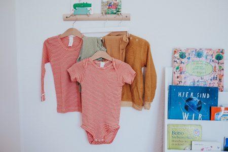 Warum Wolle/Seide-Kleidung auch im Sommer die richtige Wahl für dein Baby ist